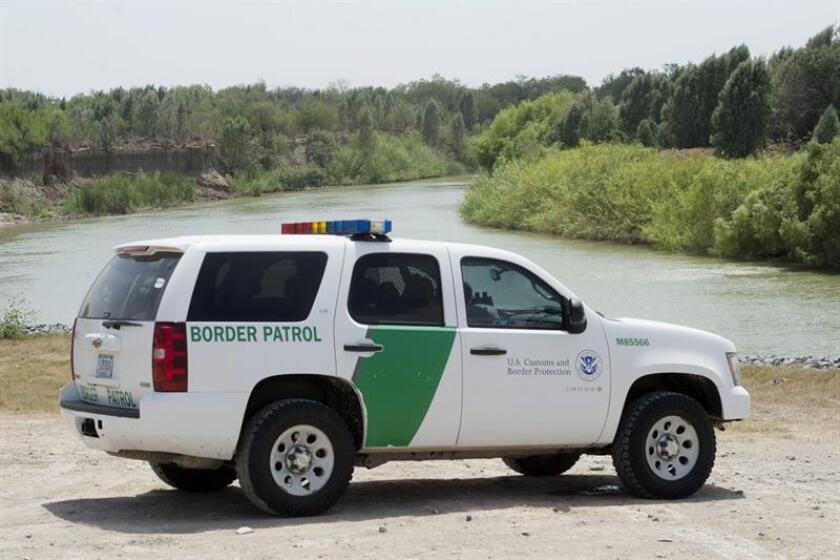 El Departamento de Justicia acusó hoy a seis personas como responsables de los inmigrantes indocumentados que fallecieron el pasado domingo en un accidente de tráfico durante una persecución con la Patrulla Fronteriza. EFE/ARCHIVO