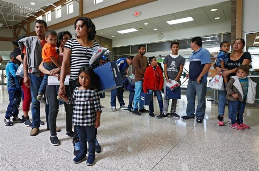 """El Gobierno del presidente Donald Trump publicó este viernes oficialmente una propuesta destinada a modificar un acuerdo conocido como """"Flores"""" para poder detener a los niños inmigrantes durante más de 20 días, límite máximo que fija ese pacto judicial. EFE/ARCHIVO"""
