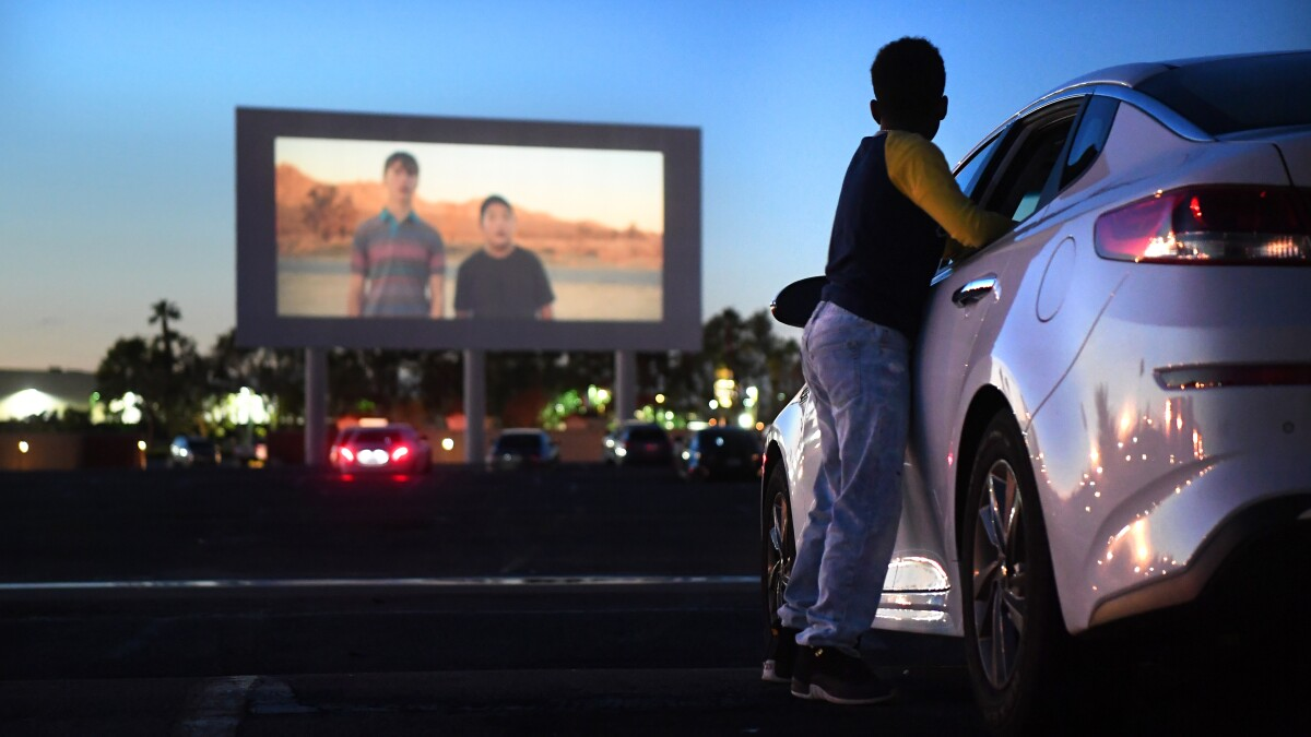 Amid Coronavirus Outbreak Drive In Theaters Unexpectedly Find Their Moment Los Angeles Times
