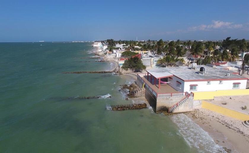El aumento del nivel del mar proyectado para finales de siglo amenaza a 2,5 millones de viviendas y negocios situados en localidades costeras del país, según un estudio publicado hoy por la Unión de Científicos Preocupados (UCS, en sus siglas en inglés). EFE/Archivo