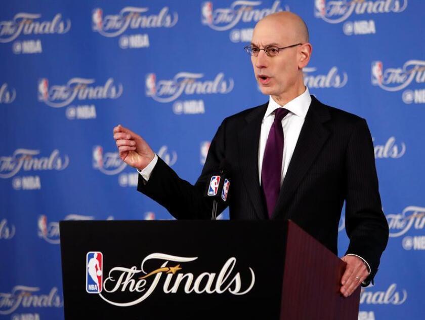 En la imagen, el comisionado de la NBA, Adam Silver. EFE/Archivo