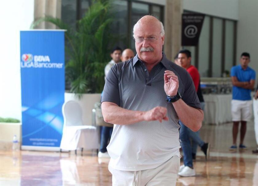 El presidente de la Liga MX del fútbol mexicano, Enrique Bonilla le solicitó al dueño de los Jaguares de Chiapas, Carlos Hugo López Chargoy, que venda el equipo ante los constantes adeudos de la institución. EFE/ARCHIVO