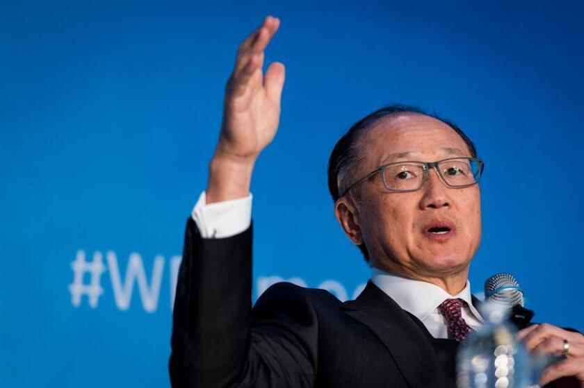 Jim Yong Kim, President of World Bank Group, participates in a panel discussion about human capital invrstment as a project for the world, during the IMF World Bank Spring Meetings at the World Bank Group headquarters in Washington, DC, USA, 21 April 2018. EFE/EPA