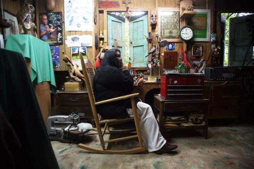 El presidente de la Comisión de Educación, Arte y Cultura de la Cámara de Representantes de Puerto Rico, Guillermo Miranda, realizó una reunión con un grupo de artesanos, con el fin de fortalecer las leyes en beneficio de los artesanos de la isla. EFE/Archivo