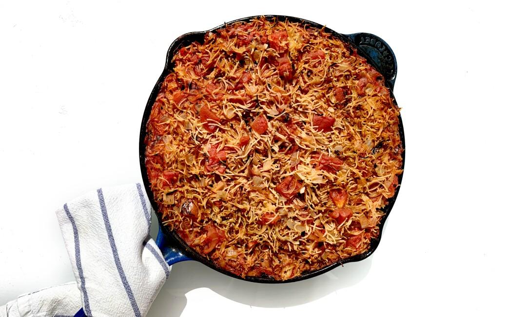 One-pan pasta with tomato sauce recipe by Genevieve Ko.