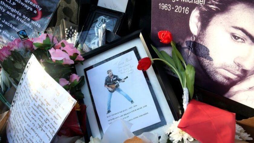 La muerte de George Michael fue seguida de tributos, homenajes, y compilaciones de sus muchas creaciones famosas.