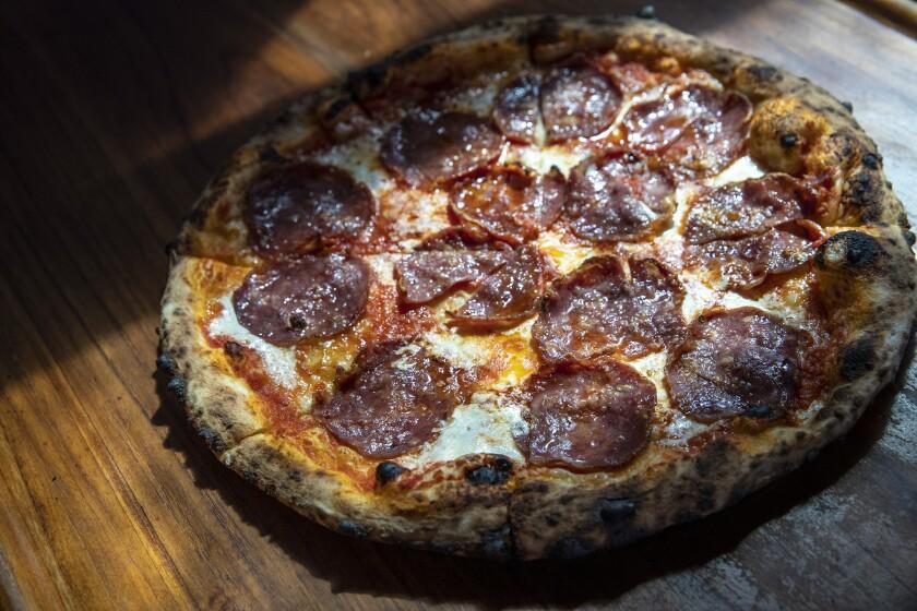 Élephante's soppressata pizza
