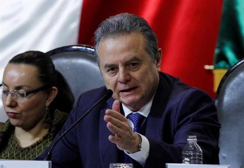 El secretario mexicano de Energía, Pedro Joaquin Coldwell, comparece ante la Comisión Permanente del Congreso hoy, viernes 13 de enero de 2017, en Ciudad de México. EFE
