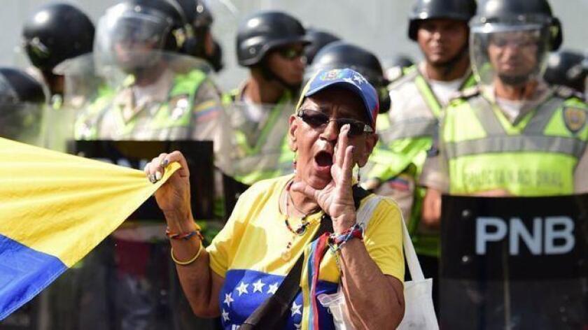 Miles de personas protestaron el 26 de octubre en contra del gobierno venezolano.