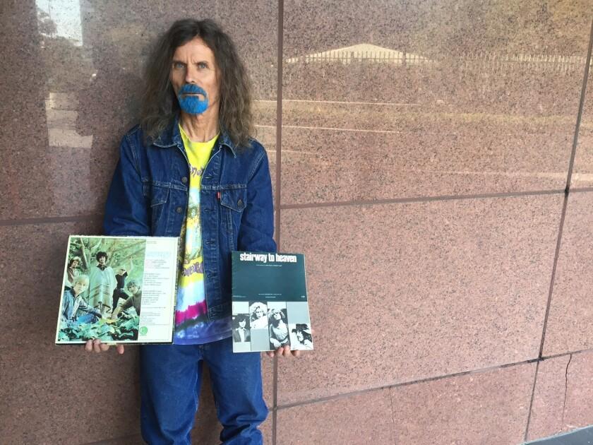 Rock fan Blue Boy