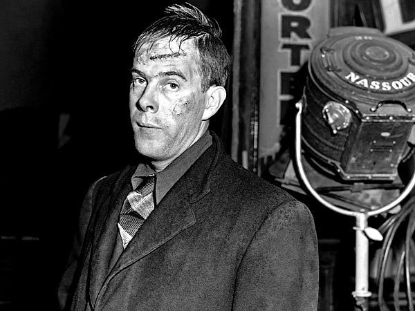 """Harry Morgan appears in the play """"Red Light."""""""