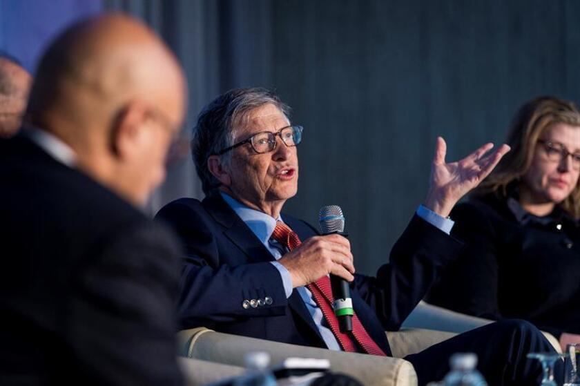 Bill Gates (C), Co-Chair, Bill & Melinda Gates Foundation, participates in a panel discussion about human capital invrstment as a project for the world, during the IMF World Bank Spring Meetings at the World Bank Group headquarters in Washington, DC, USA, 21 April 2018. EFE/EPA