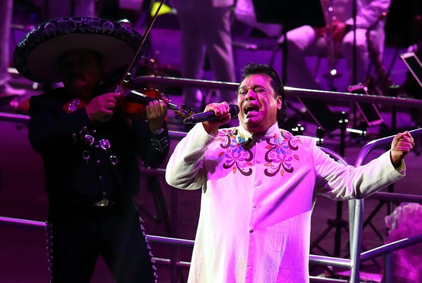 Joaquín Muñoz, ex manager de Juan Gabriel, declaró que El Divo de Juárez (foto) está vivo y que reaparecerá en diciembre.