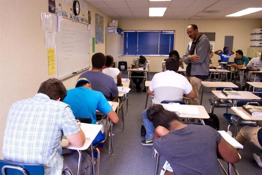Cada vez menos universitarios de Nebraska se dedican a carreras docentes, mientras aumenta la disparidad étnica y racial entre maestros y estudiantes, según reveló hoy un reporte de la Asociación Estatal de Educación de Nebraska (NSEA, en inglés). EFE/Archivo