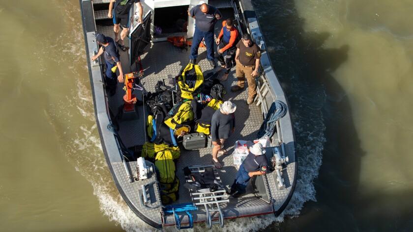 Ship sinks in River Danube in Budapest, Hungary - 08 Jun 2019