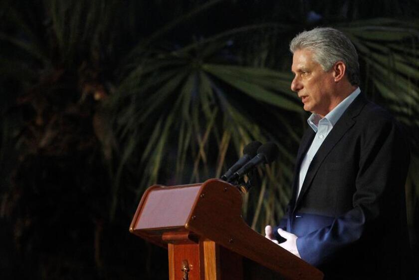 """La economía cubana sigue """"estrangulada"""" y """"estancada"""" por una elevada """"centralización"""" y los desequilibrios estructurales que lastran las perspectivas de crecimiento, que se prevé de tan solo alrededor del 1 % en 2018, apuntaron hoy tres economistas participantes en una conferencia en Miami. EFE/ARCHIVO"""