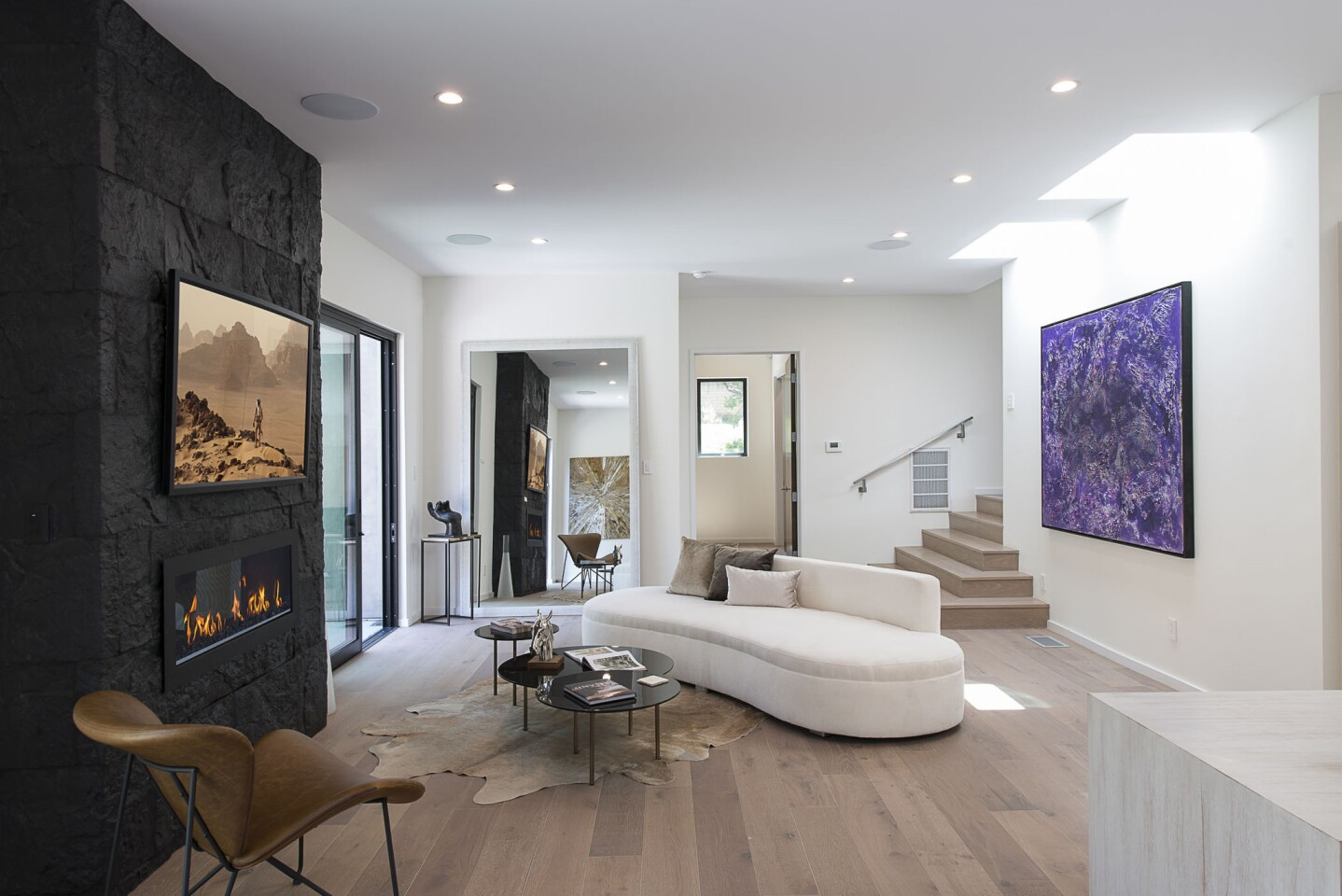 Home of the Day: Cool and contemporary in the hills of Studio City