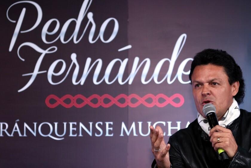 """En la presentación de su disco """"Arránquese Muchachos"""", el cantante y actor Pedro Fernández dijo que no le teme a las modas ni a los géneros que destacan más que el suyo, pues está acostumbrado a eso."""