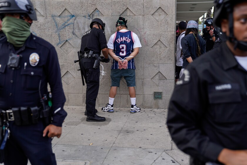 Lapd Fbi Collecting Protest Looting Footage As Evidence Los Angeles Times