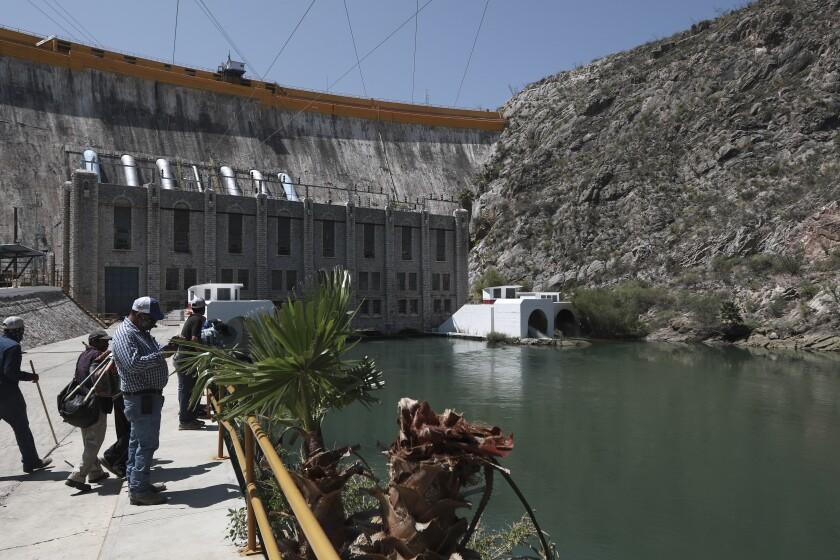 El presidente de México promete pagar deuda de agua con EEUU
