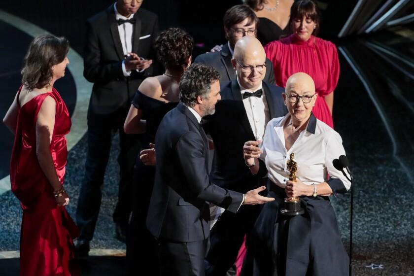 Julia Reichert et Steven Bognar, lauréats du long métrage documentaire Oscar pour «American Factory», interviennent lors de la télédiffusion des 92e Academy Awards le dimanche 9 février 2020.