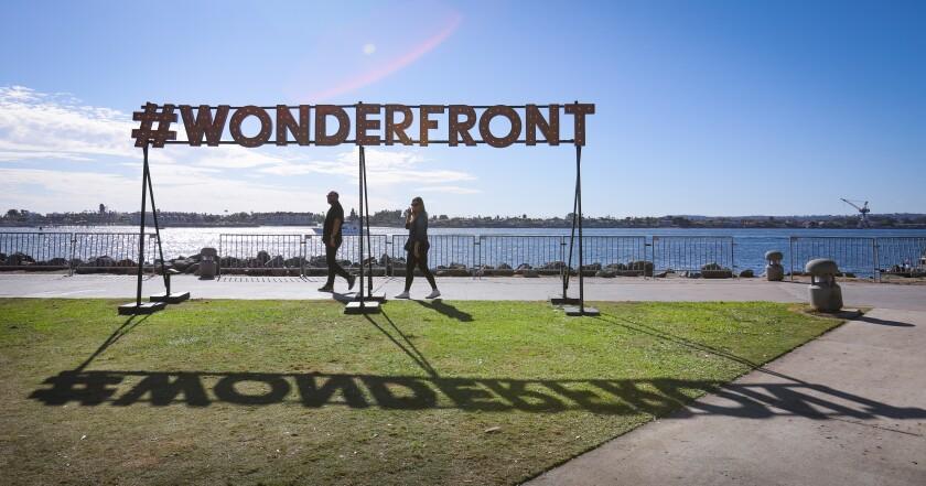 473712_sd-me-wonderfront-day-2-HL_