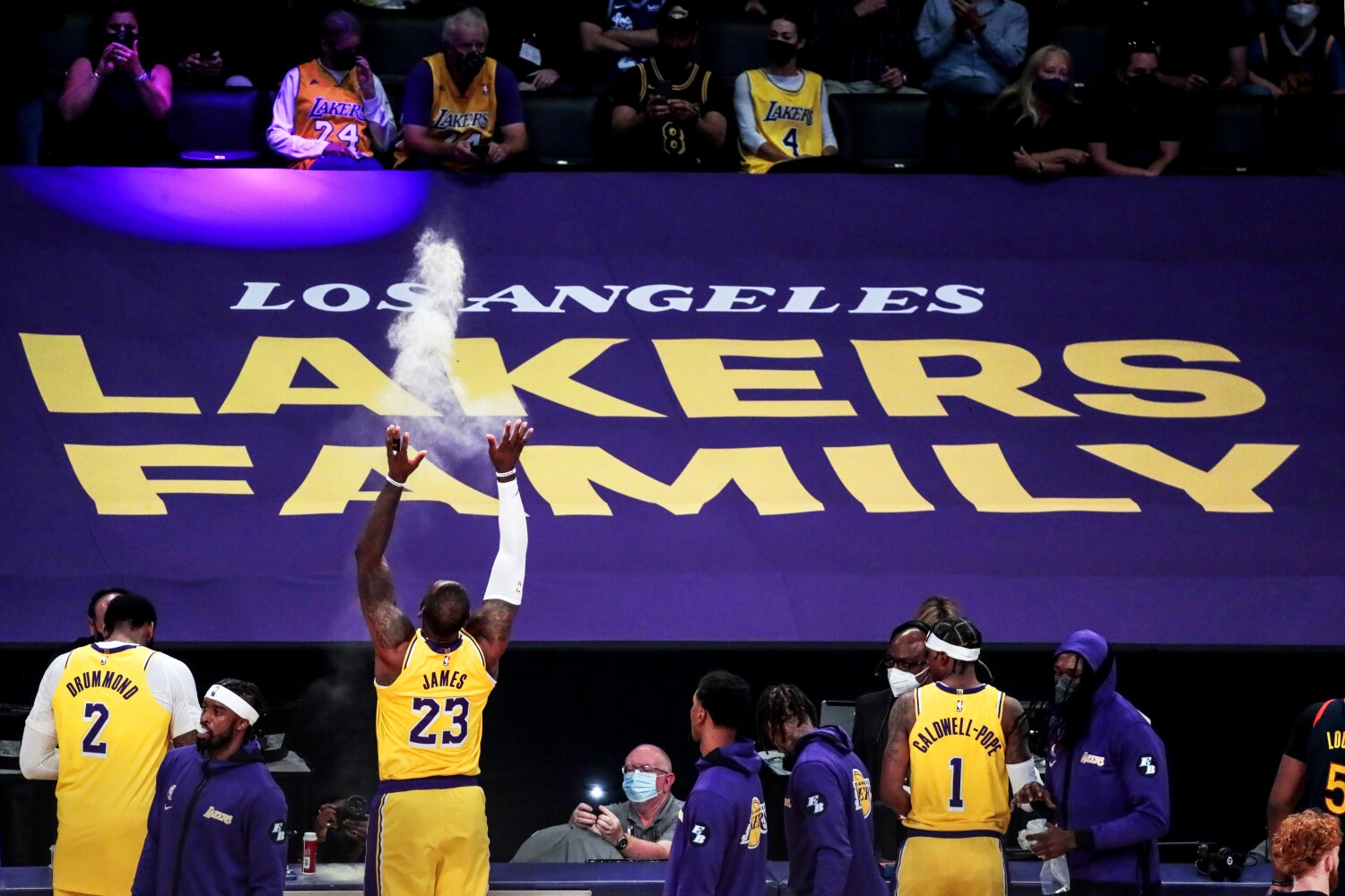 Lakers and Chargers among L.A. teams to require that office employees be vaccinated