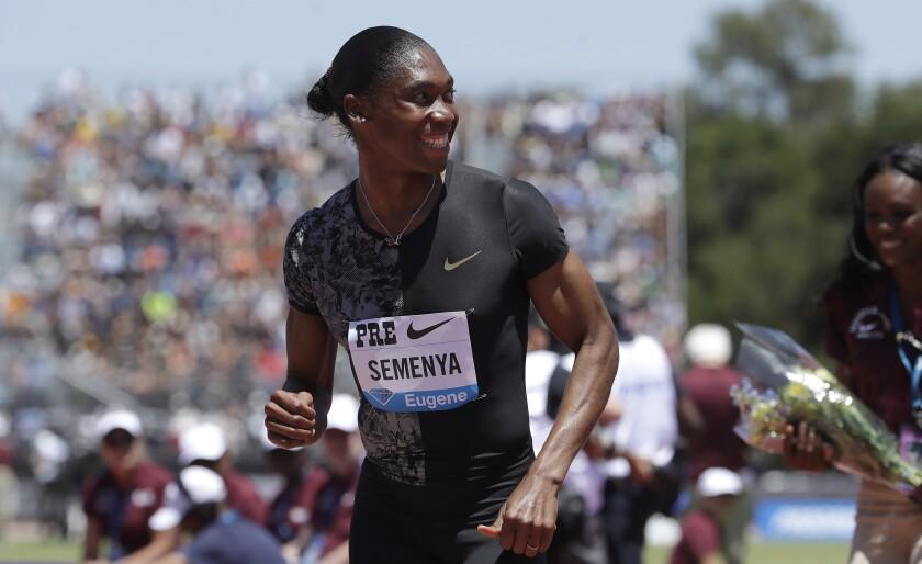 Caster Semenya sonríe tras ganar los 800 metros en Prefontaine Classic