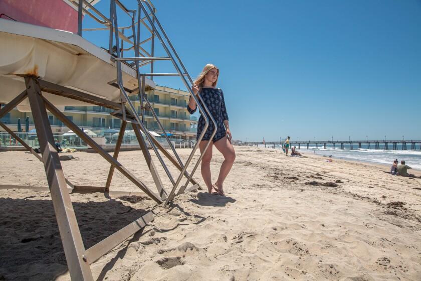 Lilly Burkhart, residente en Chula Vista, en Imperial Beach, donde trabaja como socorrista.