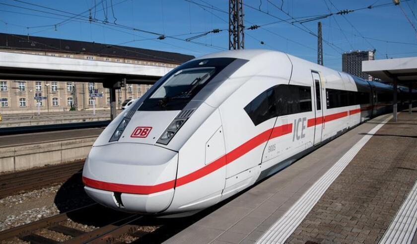 Fotografía de archivo de un tren de la compañía alemana Bahn. EFE/SVEN HOPPE/ PROHIBIDO SU USO EN ALEMANIA
