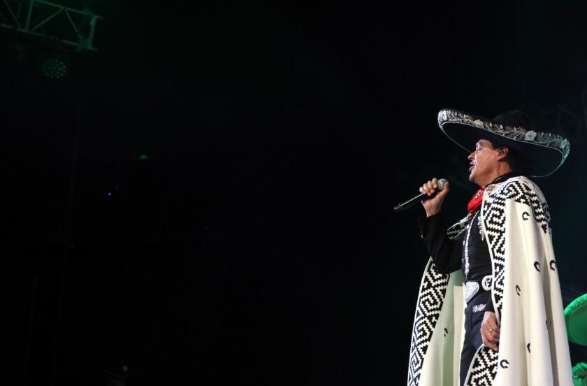Pedro Fernández en concierto