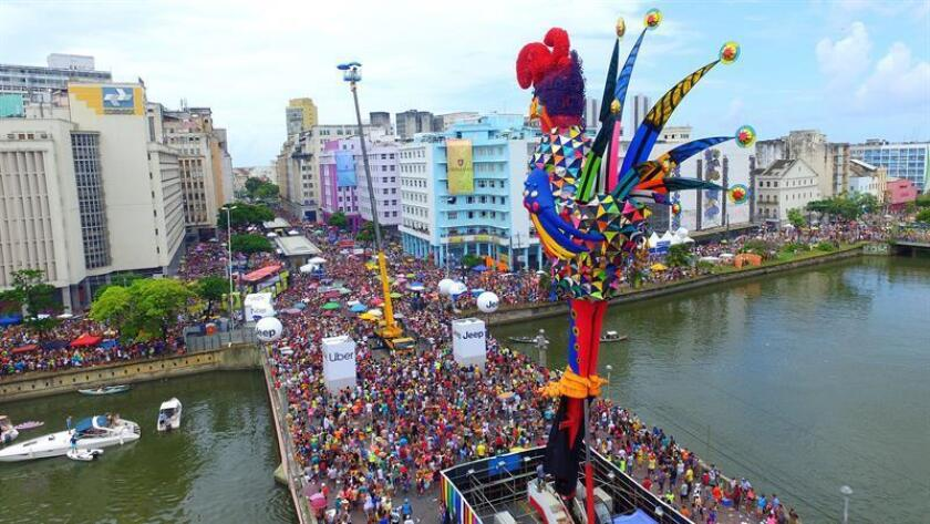 General view of the Gallo da Madrugada troupe's parade in the Carnival of Recife on March 2, 2019, as millions of Brazilians and tourists danced in the streets of the country's main cities to the rhythm of the street bands on the first official day of this year's Carnival . EFE-EPA/Ney Douglas
