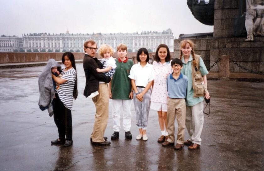 La familia que formaban Woody Allen y Mia Farrow en los ochenta