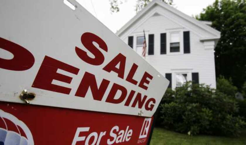 Contracts for existing home sales up in January