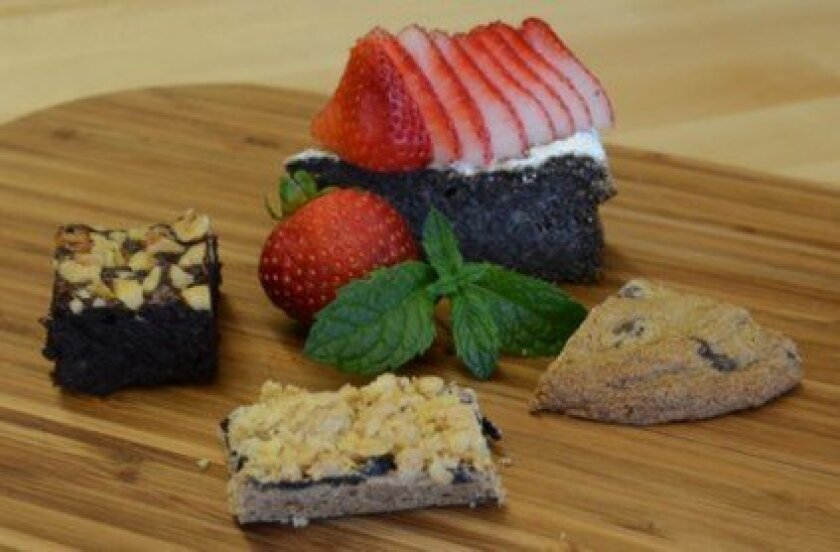 Desserts and pastries include the Brownie, Blueberry Oat Bar, Mohnkuchen and Salted Chocolate Chip Cookie.