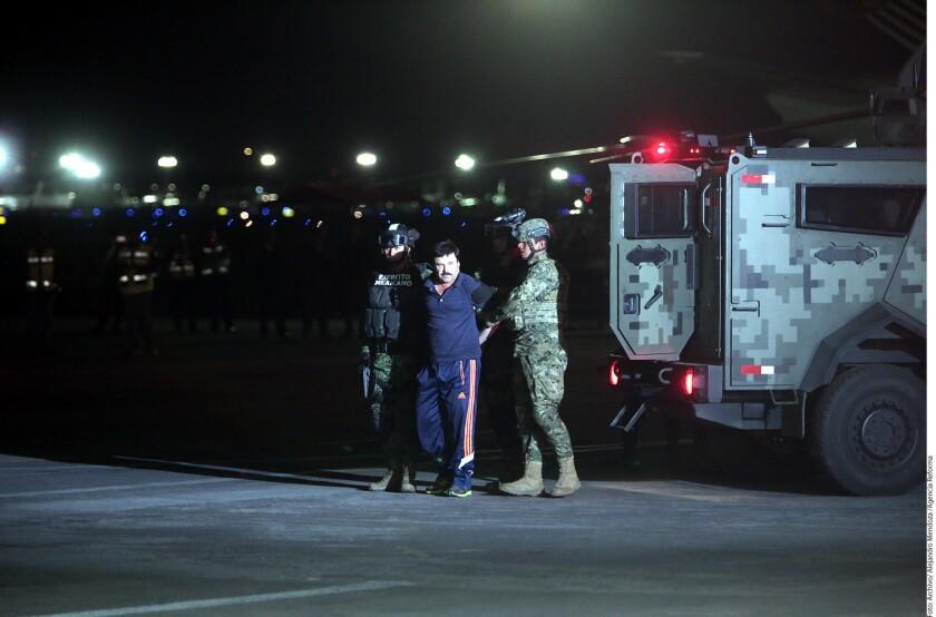 """Argumentando que Estados Unidos carece de pruebas para juzgarlo, Joaquín """"El Chapo"""" Guzmán presentó esta noche sus amparos contra las dos órdenes que emitió la Secretaría de Relaciones Exteriores para extraditarlo."""