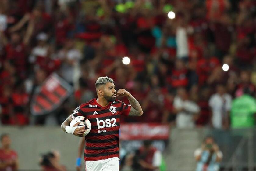 'Gabigol' hace más líder al Flamengo y hunde al Santos con una obra de arte