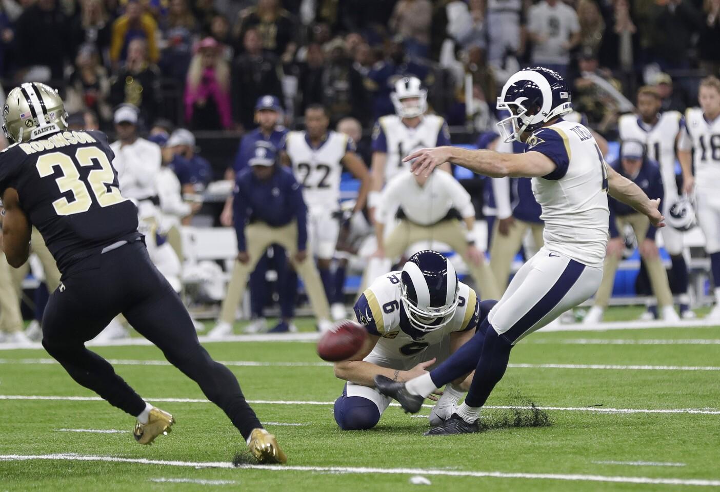 APphoto_Rams Saints Football