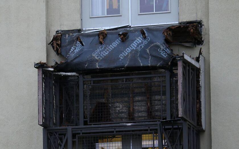 Balcony collapse in Berkeley kills 6 students
