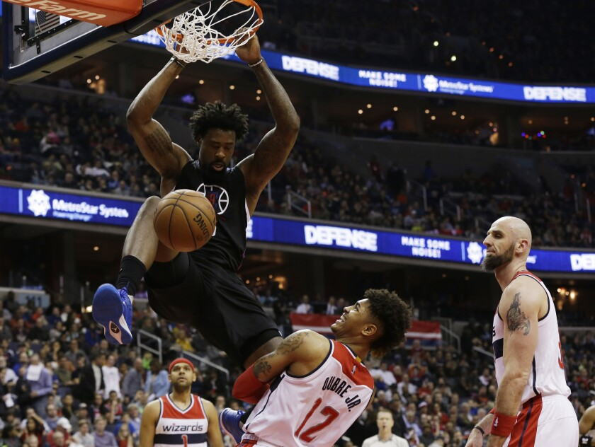 Clippers rout Wizards behind play of Chris Paul, DeAndre Jordan