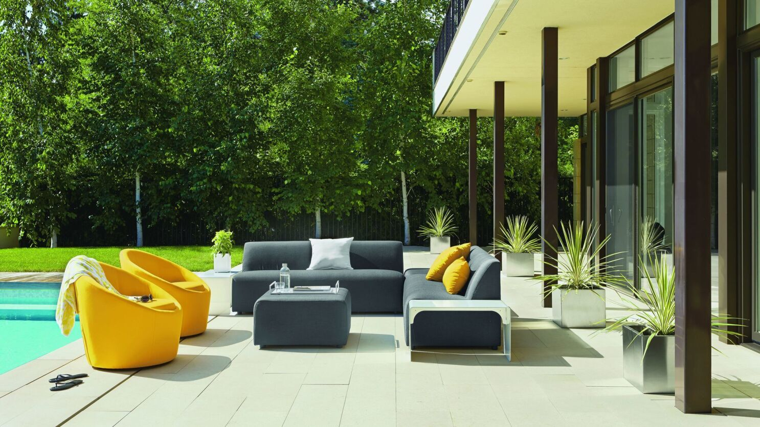 Take It Outside 8 Hot Trends In Outdoor Home Furnishing Los Angeles Times