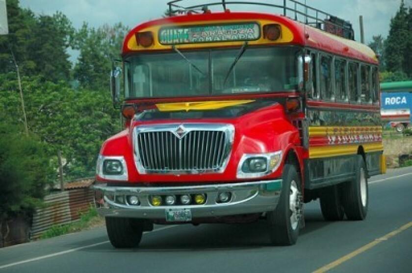 Guatemala se prepara para el paro nacional que el Sindicato de Transportistas Pesados iniciará mañana, en contra de la ampliación de las restricciones horarias de tránsito, impuestas por el alcalde de la capital, Álvaro Arzú.