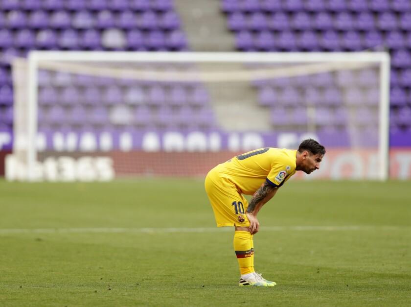 Lionel Messi del Barcelona durante el partido contra Valladolid por la Liga española en Valladolid, el sábado 11 de julio de 2020. (AP Foto/Manu Fernández)