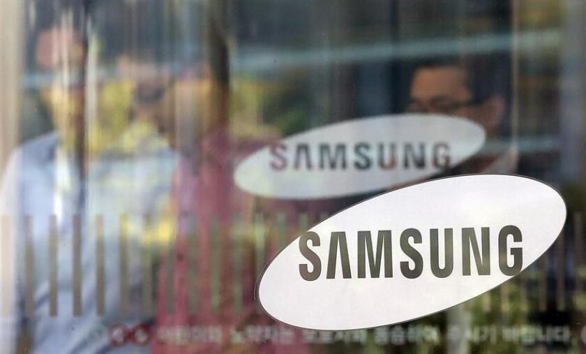 La Corte Suprema falló hoy a favor de la compañía Samsung, eximiendo a la empresa surcoreana de pagar 399 millones de dólares a la estadounidense Apple, quien la acusaba de haber plagiado parte de sus componentes de para teléfonos móviles. EFE/ARCHIVO