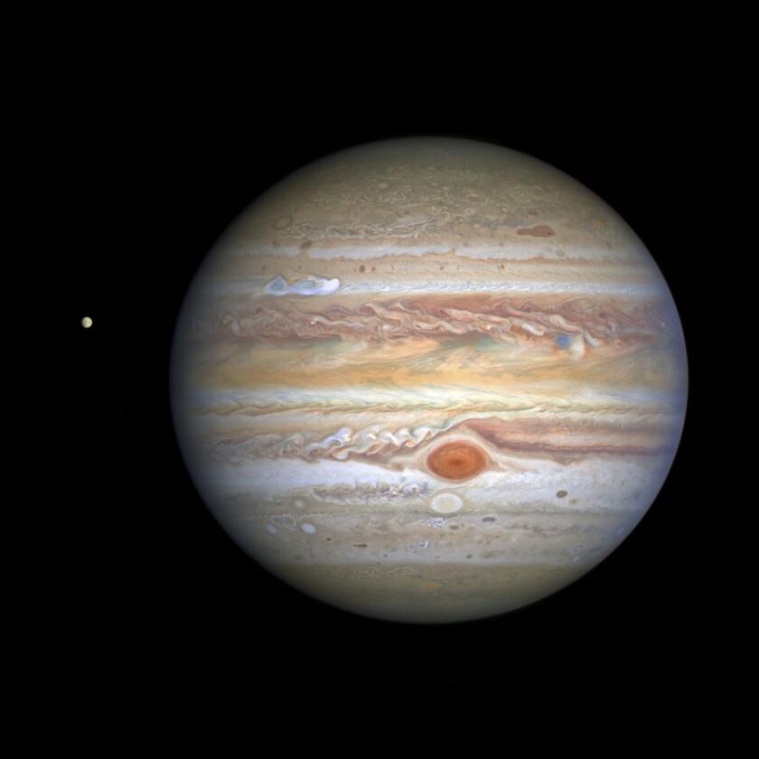 Hubble Toma Nuevo Foto A Júpiter Y Su Luna Europa Los Angeles Times