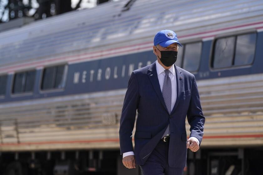 El presidente Joe Biden arriba a un evento el viernes 30 de abril del 2021