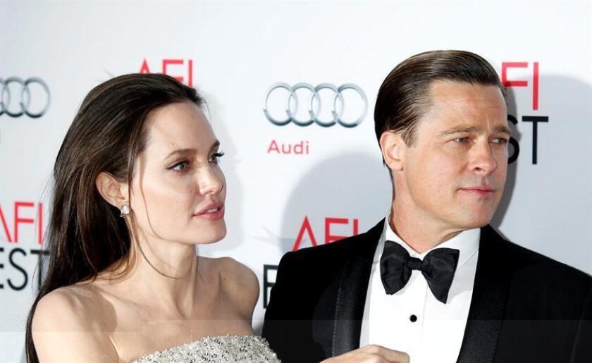 Por primera vez desde que se iniciara su proceso de divorcio, Brad Pitt y Angelina Jolie han emitido un comunicado conjunto donde aseguran que han acordado sellar todos los documentos judiciales al respecto con el objetivo de proteger la intimidad de sus seis hijos. EFE/ARCHIVO