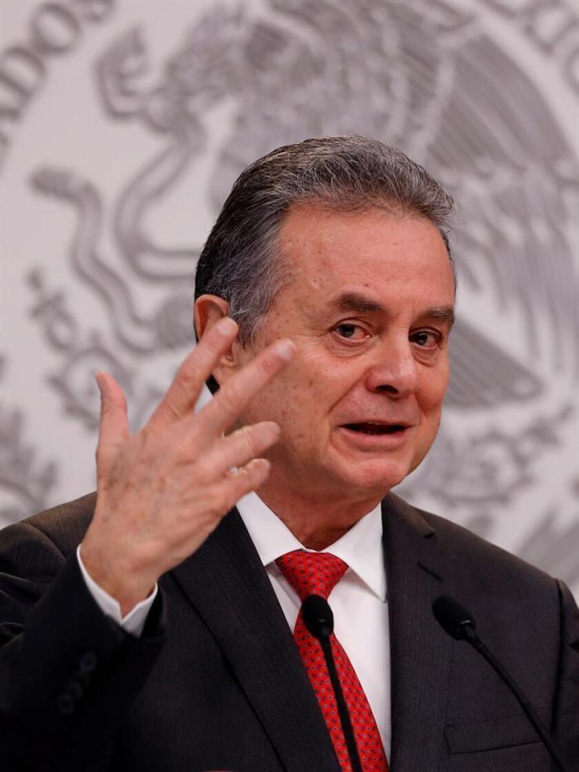 El Gobierno de México descartó hoy que imponga sanciones petroleras a Venezuela, y se mostró preocupado por el impacto negativo que tendría sobre la población del país y otras naciones del Caribe, señaló el secretario de Economía, Pedro Joaquín Coldwell. EFE