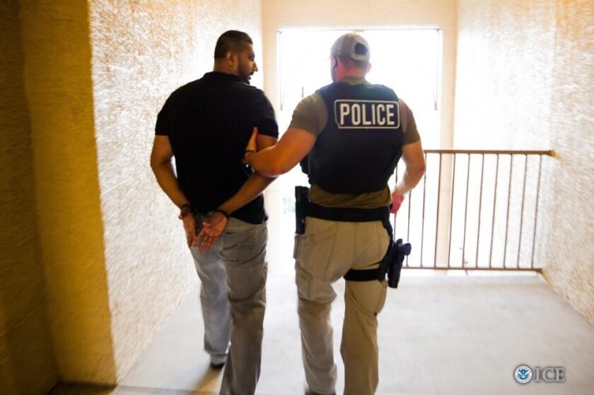 Un operativo llevado a cabo por el Servicio de Inmigración y Control de Aduanas de Estados Unidos (ICE) y por la Oficina de Operaciones de Detención y Deportación (ERO) y el Servicio de US Marshals acabó con la detención de 45 fugitivos buscados en el extranjero. ICE