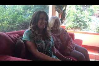 Virtually born on stage, Joely Fisher shares memories with her famous mom,Connie Stevens